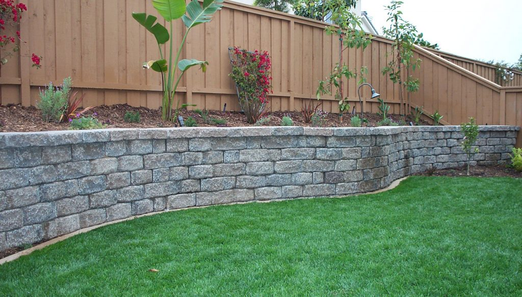 steep slope retaining wall contractor
