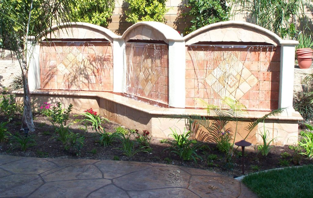 Water feature wall construction