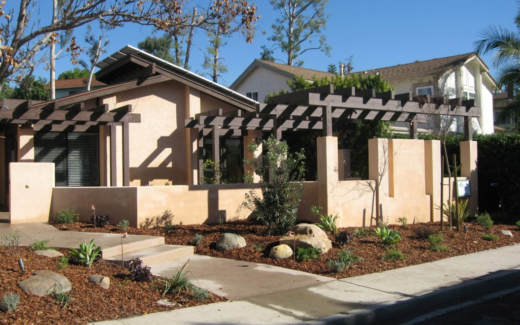 Front yard courtyard walls and pergola contractor