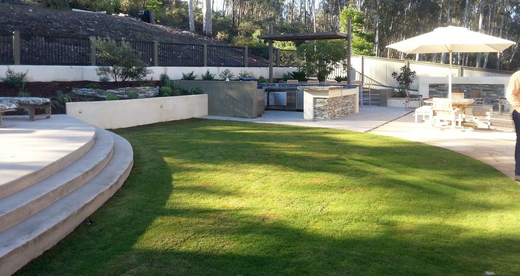 Complete modern back yard landscaping, patio and kitchen design and construction