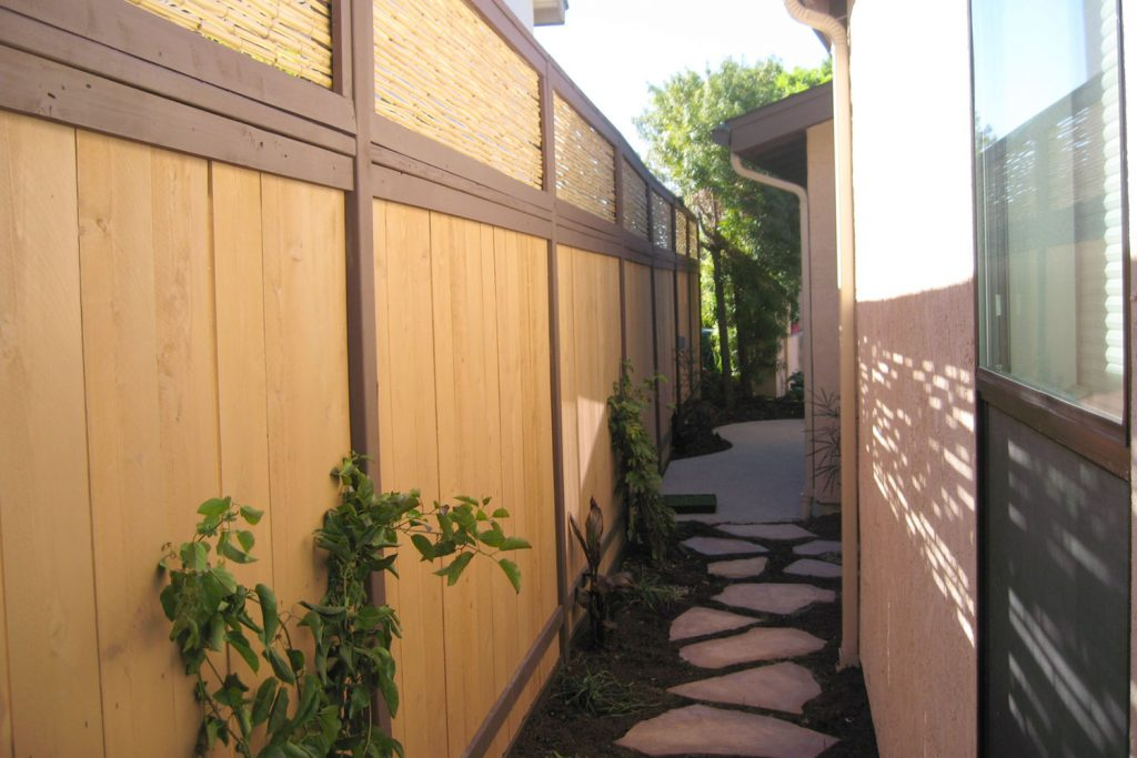 Side yard fence design and contractors