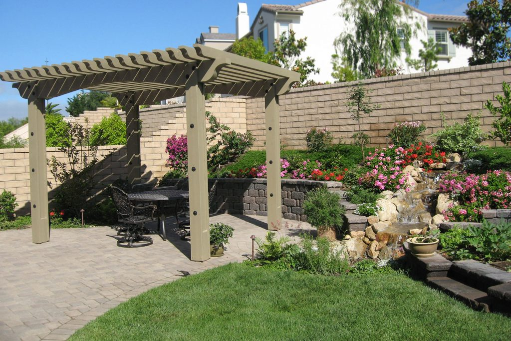 Retaining wall and pergola contractor